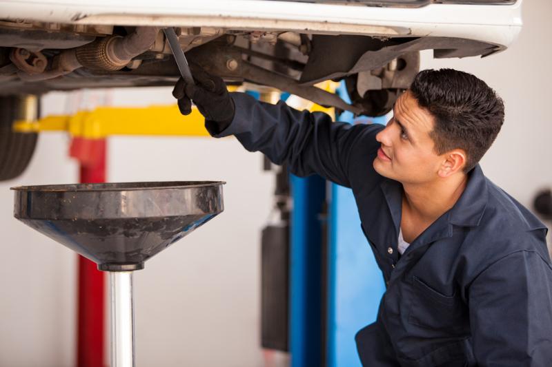 Quick lube, oil change, changing oil, mechanic, car service, services, multi-profit centers