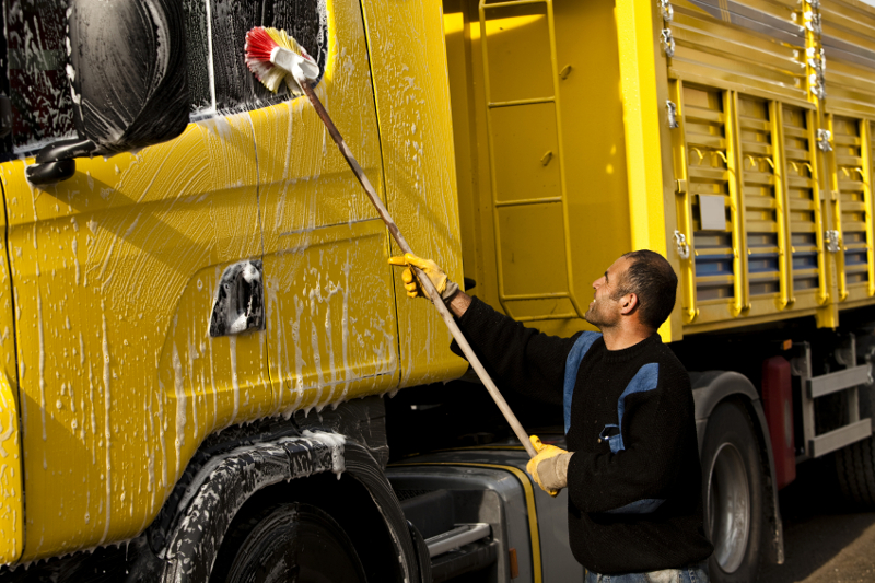 truck wash, washing a truck, cleaning a truck