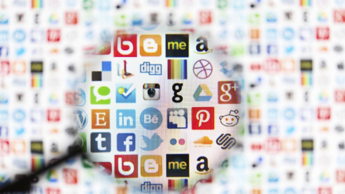 social media twitter facebook smm expressway