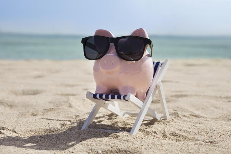 summer, warm weather, beach, piggy bank, facation, finance, summer marketing strategies, summer business, profits,