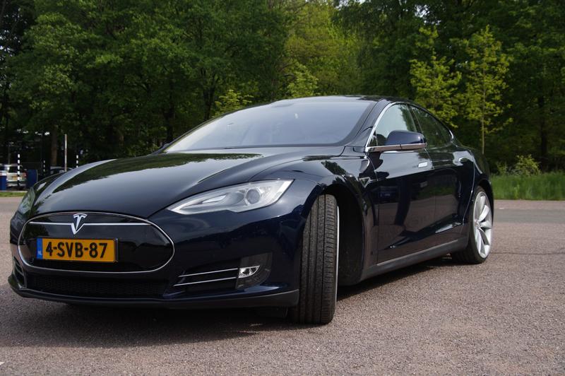 Tesla Testing Waterless Car Care Professional Carwashing Detailing
