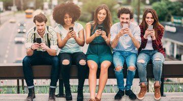 texting, surfing the internet, cellphones, smartphones, millennials, carwash online marketing,