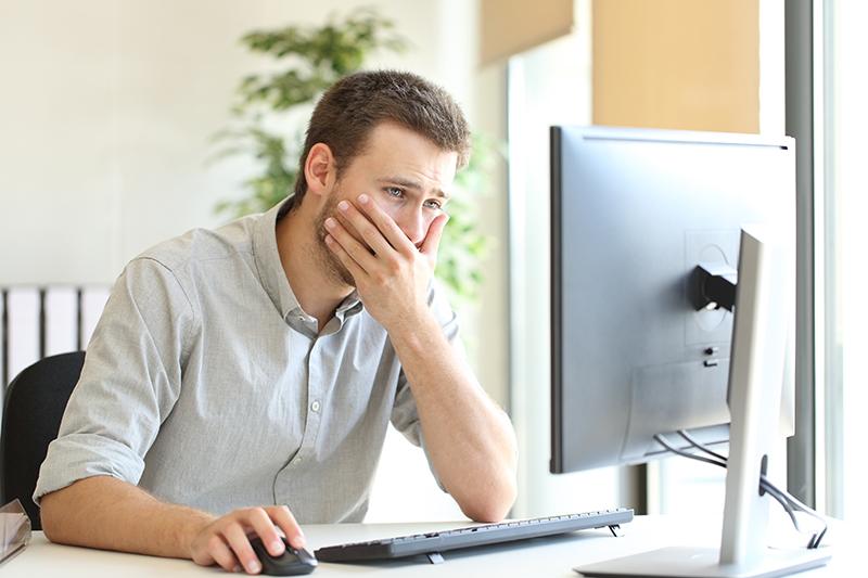 crisis management, online, businessman, computer