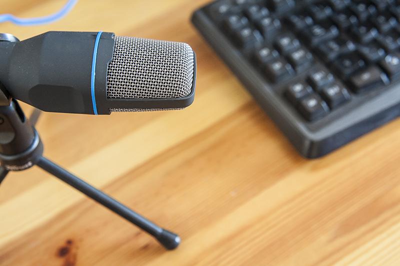 podcast, microphone, keyboard