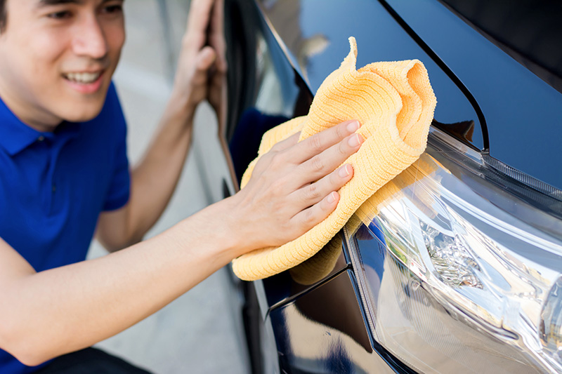 hand washing, headlights, microfiber towel, employee