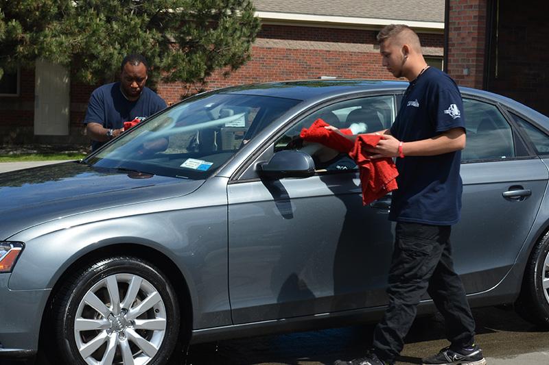 carwash, employees, detailing, towel dry, car