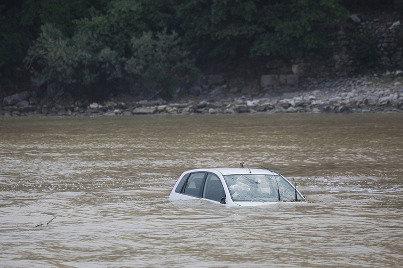 car, river, flood